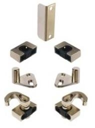 Set of accessories for espagnolette locks screw-on type